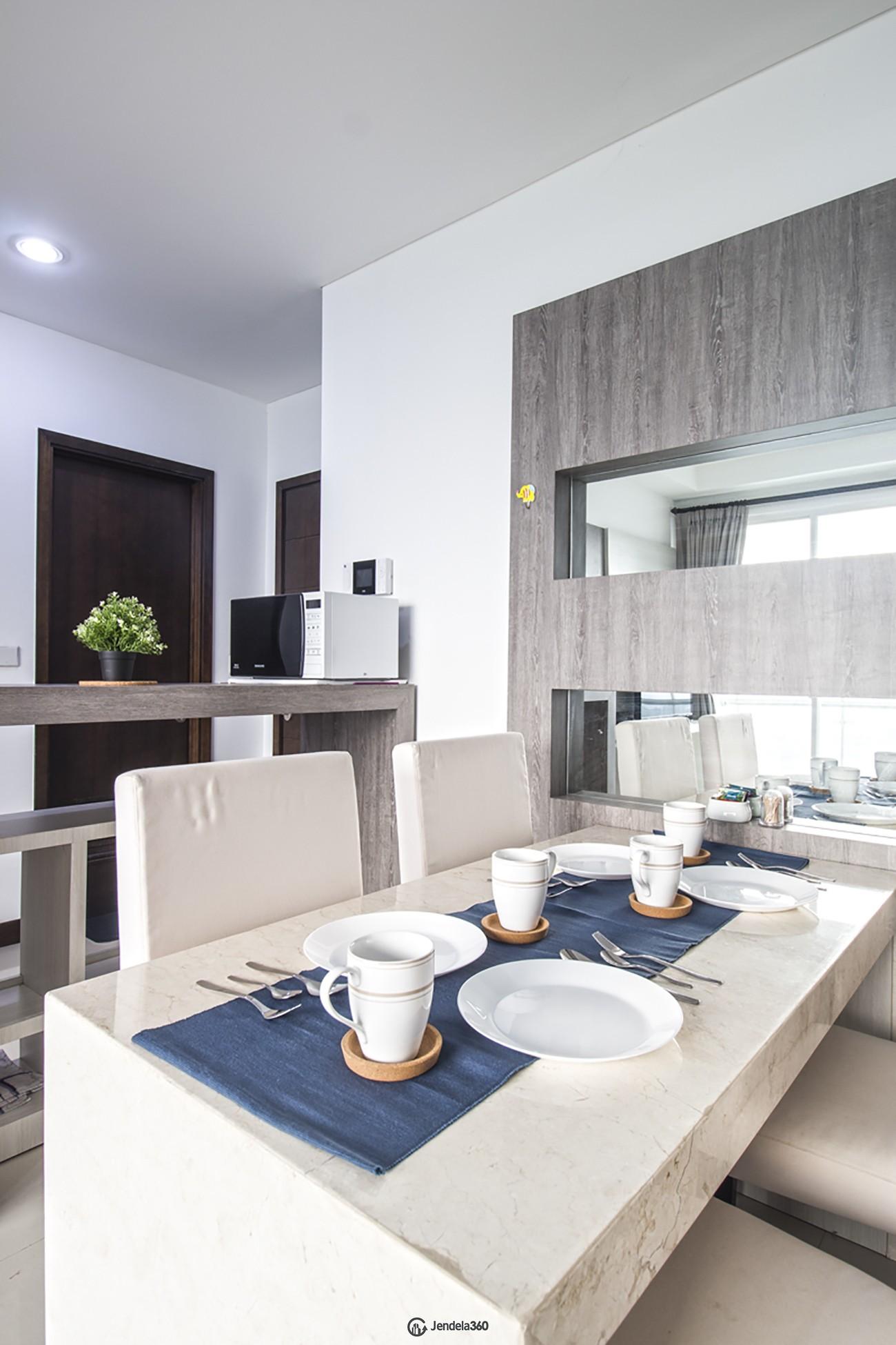Dining Room Apartemen AKR Gallery West Residences