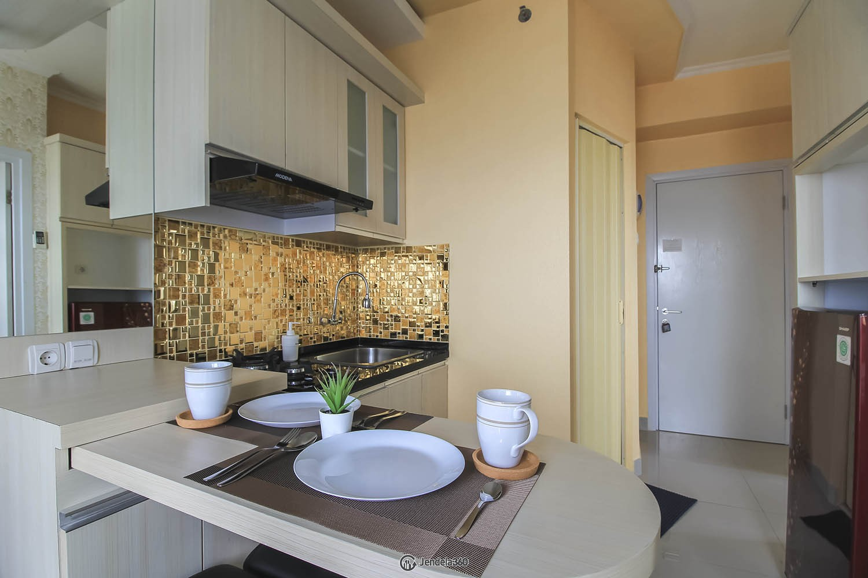 Dining Room Green Pramuka City Apartment