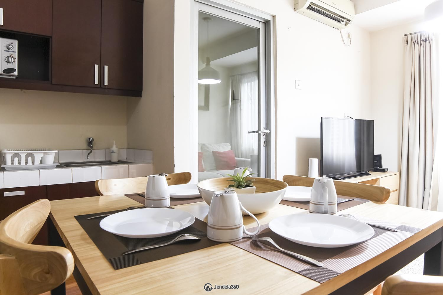 Dining Room Apartemen The 18Th Residence Taman Rasuna