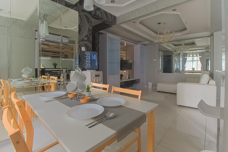 Dining Room Apartemen Pancoran Riverside Apartment