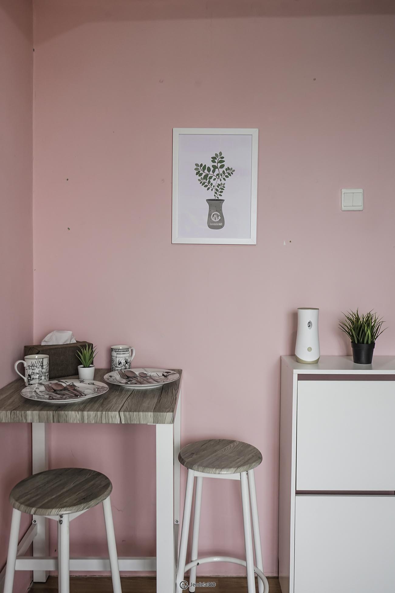 Dining Room Apartemen Belmont Residence