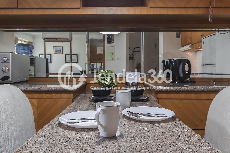 Dining Room Apartemen Batavia Apartment