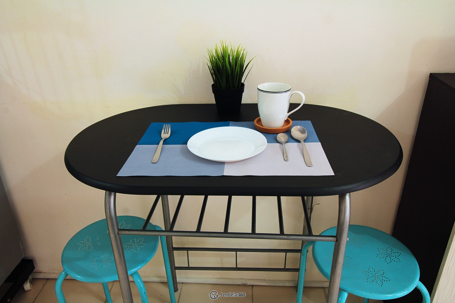 Dining Table Puri Park View Apartment