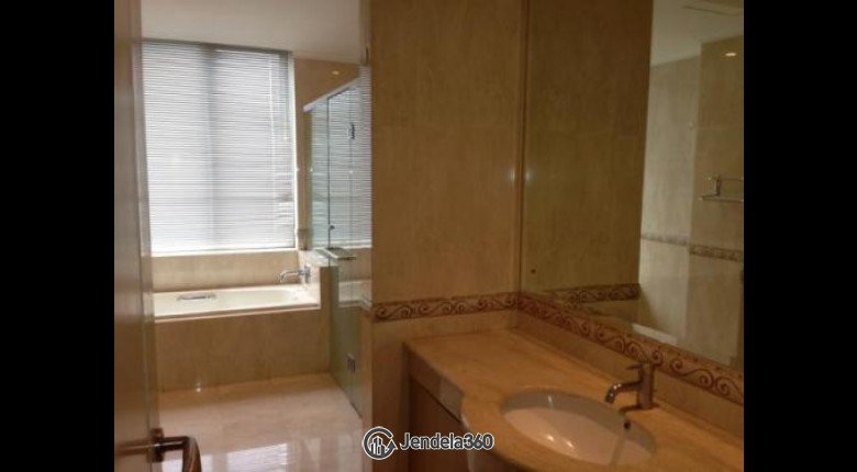 For Sell FXRD012 Apartemen FX Residence 3BR Semi Furnished