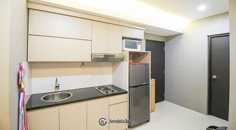 Kitchen apartemen puri park view