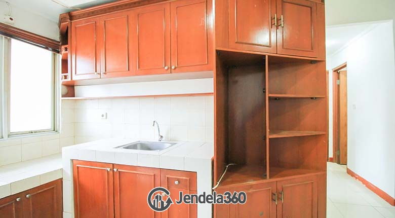 Kitchen Mediterania Boulevard Kemayoran Apartment
