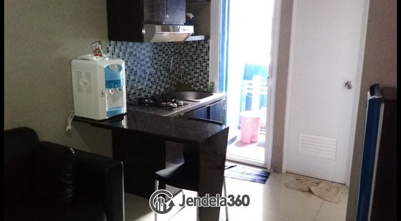 Kitchen Apartemen Green Pramuka City Apartment