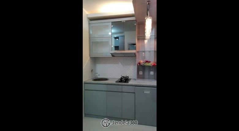 Kitchen Apartemen Green Pramuka City Apartment