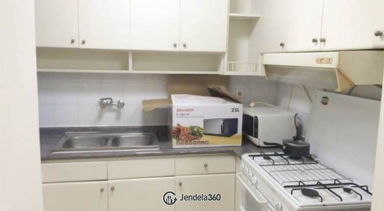 kitchen Apartemen Beverly Tower Apartment