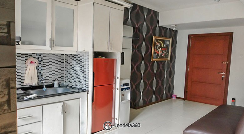 Kitchen Royal Mediterania Garden Residence Apartment