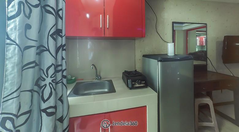 Kitchen Apartemen Green Park View Apartment