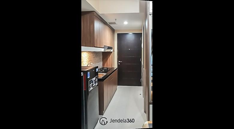 Kitchen Grand Dhika City Apartment