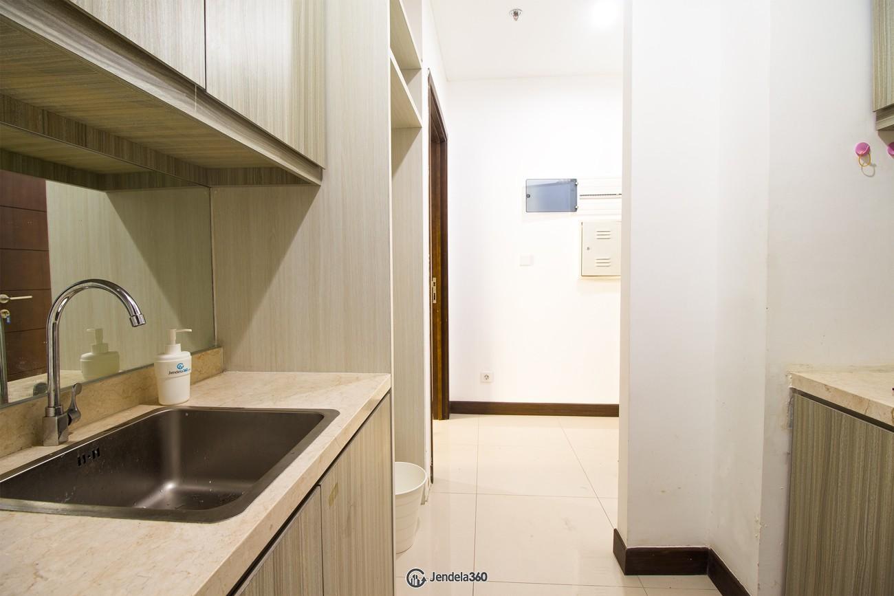 Kitchen Apartemen AKR Gallery West Residences