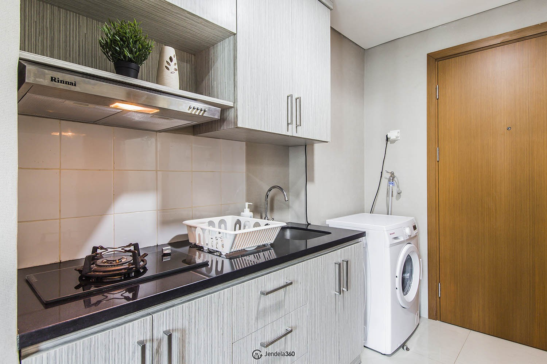 Kitchen Apartemen Woodland Park Residence Kalibata
