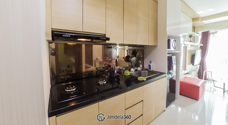 Kitchen Woodland Park Residence Kalibata Apartment