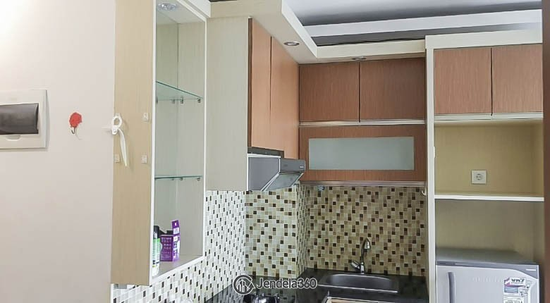 Kitchen Apartemen Tifolia Apartment