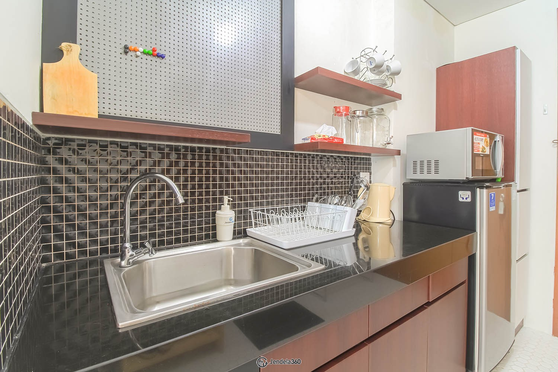 Kitchen Woodland Park Residence Kalibata
