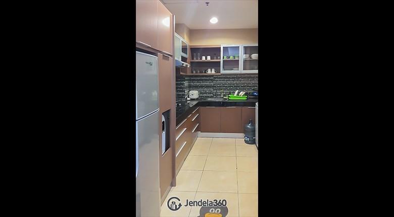 Kitchen Apartemen Essence Darmawangsa Apartment