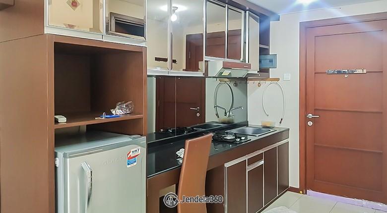 Kitchen Royal Mediterania Garden Residence