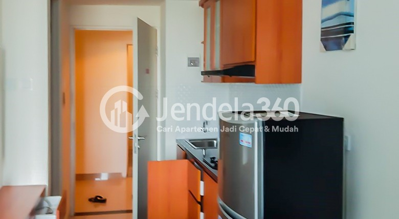 Kitchen Apartemen Grand Kamala Lagoon Apartment