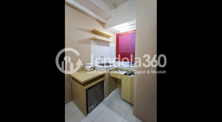 Kitchen Apartemen Mont Blanc Apartment