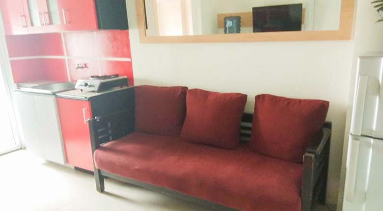 Living Room Apartemen Green Pramuka City Apartment
