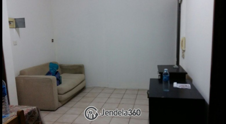 Living Room Apartemen Mediterania Garden Residence 1 2BR Semi Furnished