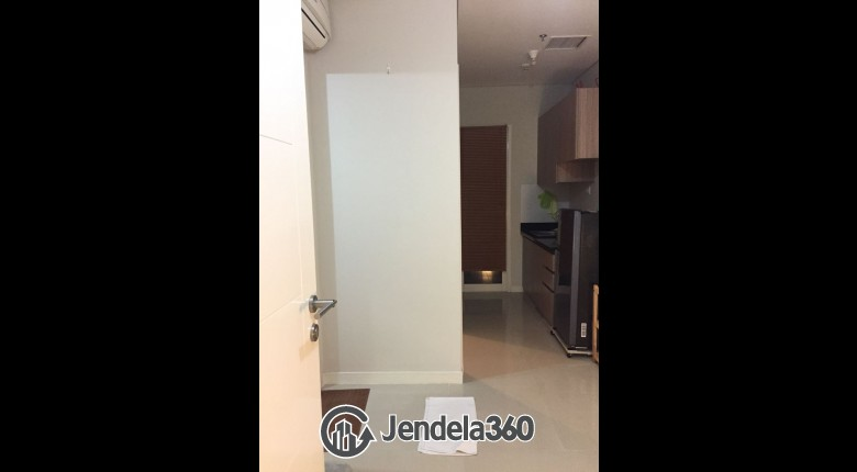 living room Madison Park 1BR Tower -