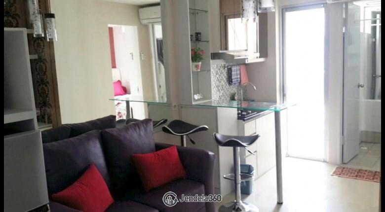Living Room Apartemen Bassura City Apartment 2BR View City