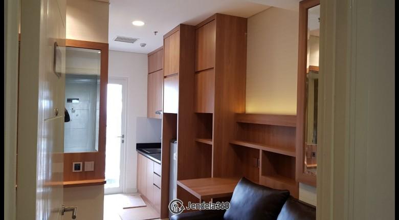 Living Room Apartemen Madison Park 1BR Fully Furnished