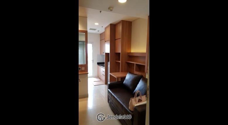 Living Room Apartemen Madison Park