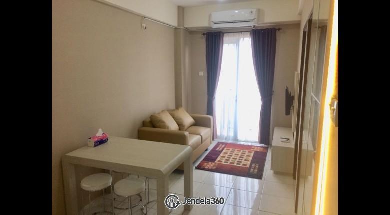 Living Room Apartemen City Light Apartment