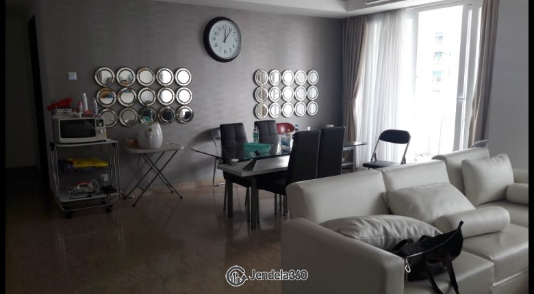 Living Room Royale SpringHill Residence 3BR Fully Furnished Apartment
