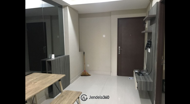 Living Room Apartemen Puri Park View Apartment 2BR View City
