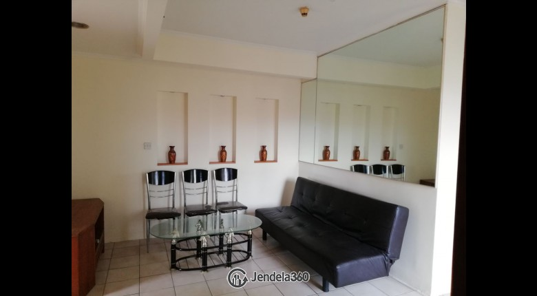 Living Room Apartemen Mediterania Palace Kemayoran 3BR Fully Furnished