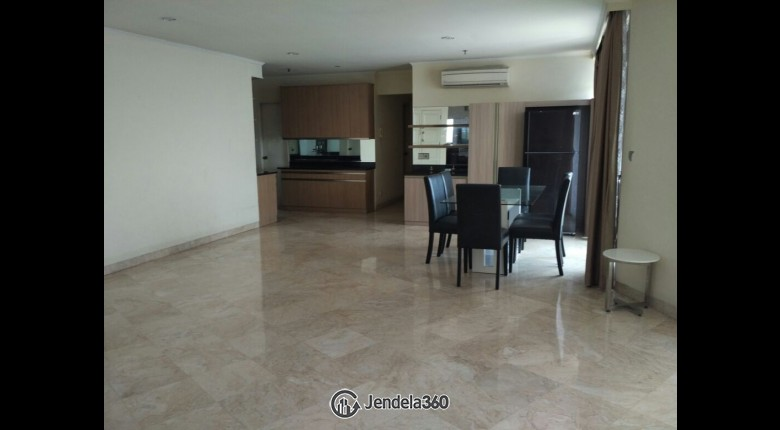 Living Room Apartemen Beverly Tower Apartment 4BR View City
