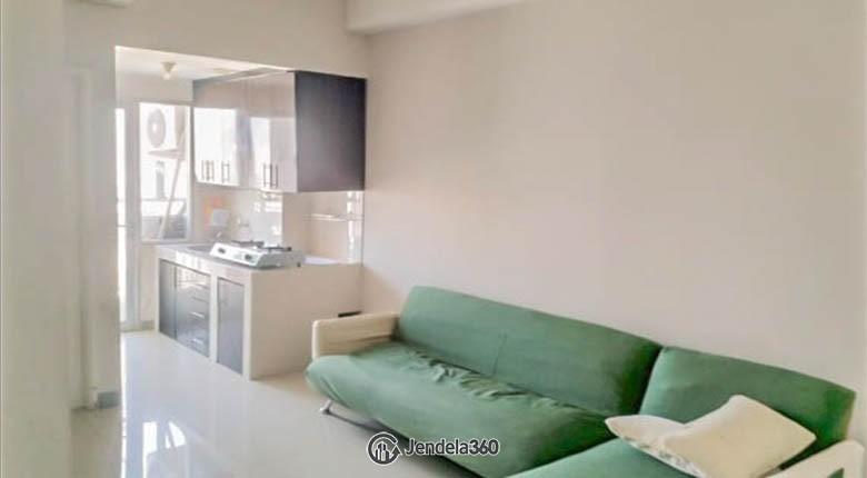 Living room Season City Apartment