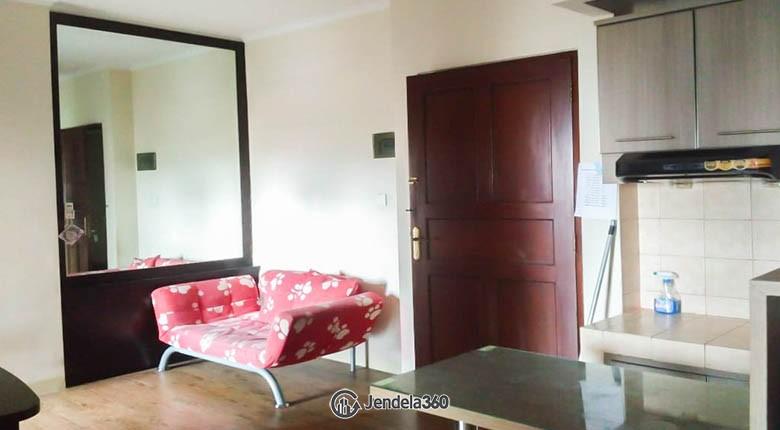 living room Apartemen Mediterania Garden Residence 1