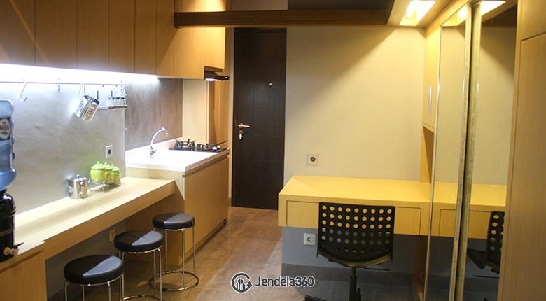 living room Apartemen Belmont Residence