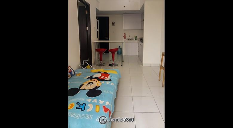 Living Room Apartemen Casa De Parco Apartment