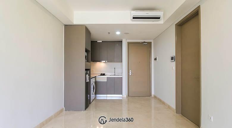 Living Room Apartemen Gold Coast Apartment