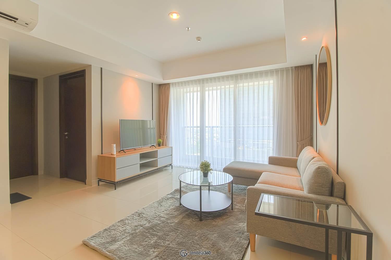 Living Room Apartemen The Kensington Royal Suites