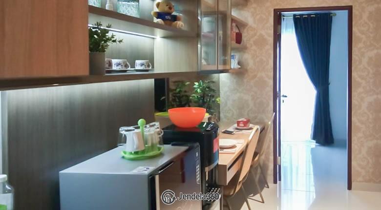 Living Room Roseville SOHO & Suites
