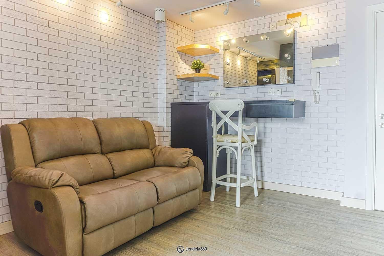 Living Room Metro Park Residence