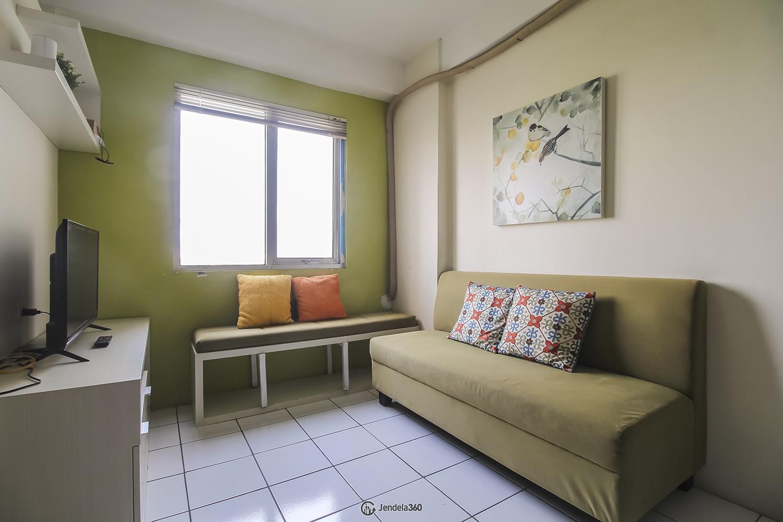 Living Room Apartemen East Park Apartment