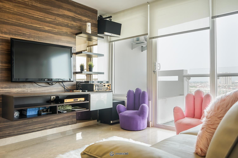 Living Room Apartemen Royale SpringHill Residence