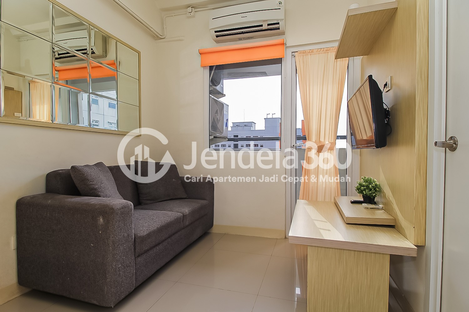 Living Room Apartemen Green Pramuka City Apartment