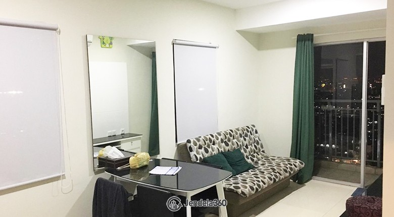 livingroom Cosmo Mansion - Thamrin City