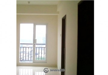 Puri Park View Apartment 2BR Fully Furnished