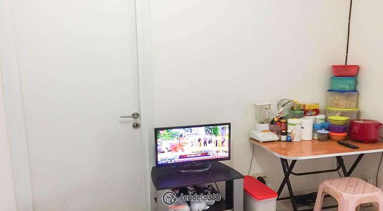 livingroom Green Pramuka City Apartment